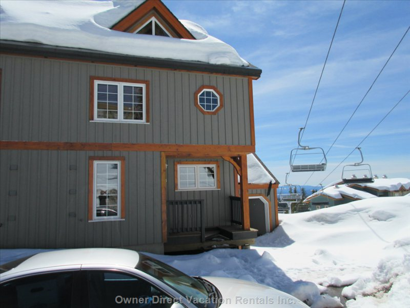 Upscale Townhouse at Village Center with Ski in/out Access #211394