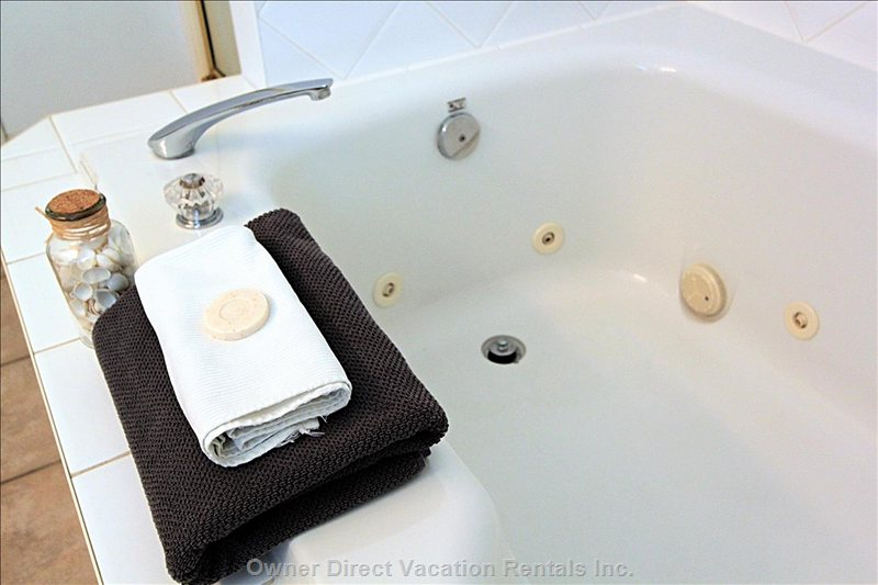 Ensuite Jetted Tub