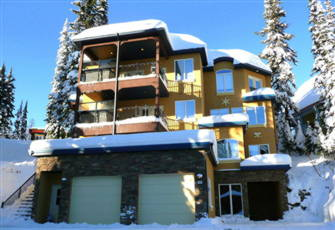 Unbeatable Ski in/out Access - 3 Bed + Den Deluxe Home - Sleeps 14 Pet Friendly!