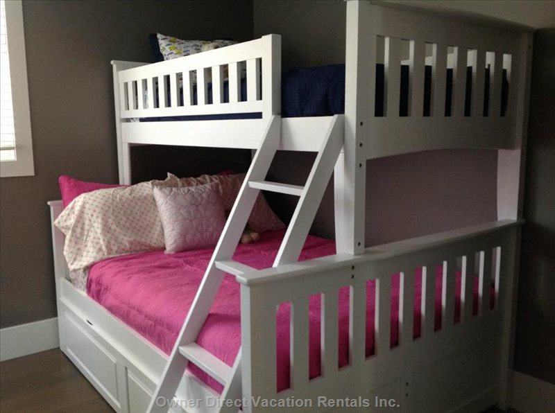 Bunkbed- Twin over Full