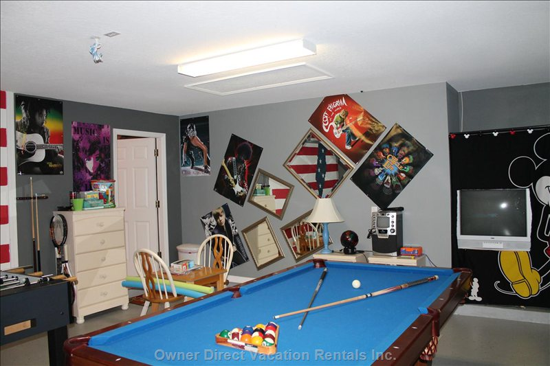 Games Room with Pool Table, Foosball Table, Karaoke Machine, Tv and Bikes for those Days out