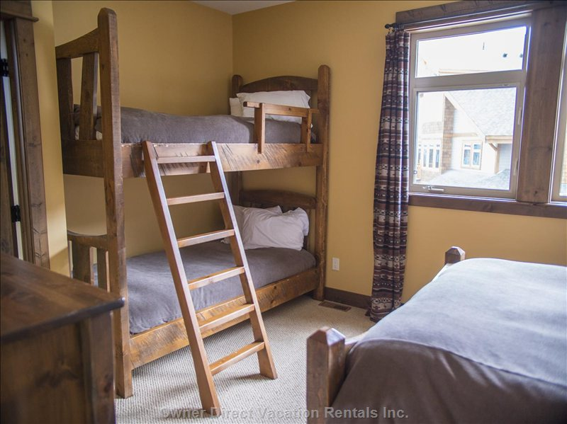2nd Bedroom - Twin Bunk Beds