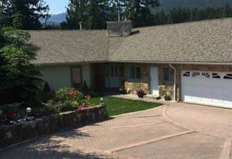 Revelstoke Riverview Rental 3 Bed/Bath Executive Home on the Columbia River