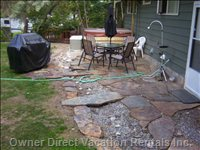 Flagstone Patio, Hot Tub, Bbq in Private Backyard