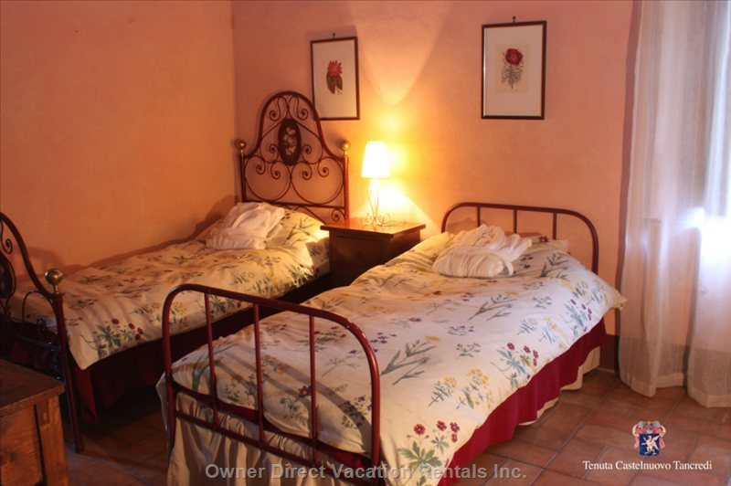 The Sangiroves Double Bed Room