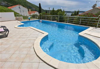 Luxurious Seaview Villa with Pool, Plat Apt 1