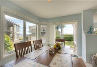 Ocean View Bright Beach House Welcomes you! ~ 1105 Sq. Ft.