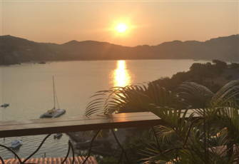 Experience Zihuatanejo Beauty and Tranquility