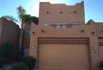 Spacious Red Mt. Ranch Townhome 4 Bd/3.5 Baths with 2-Car Garage and Pool/Spa