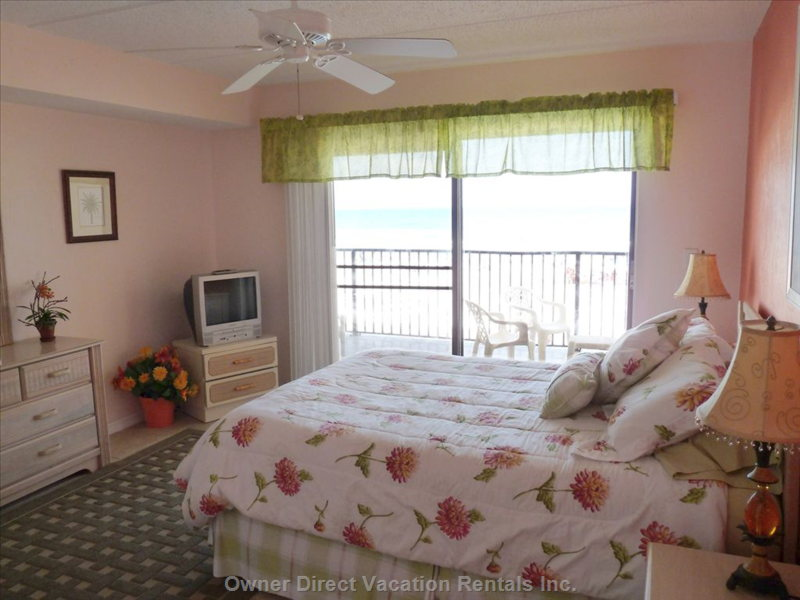 Master Bedroom Suite (Queen Size Bed) with Direct Oceanfront View from Balcony