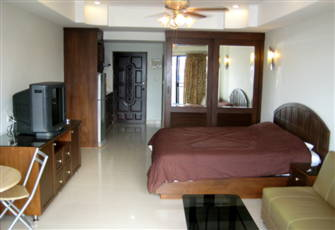 South Pattaya Condotel Best Location 300 Meters from the Beach.