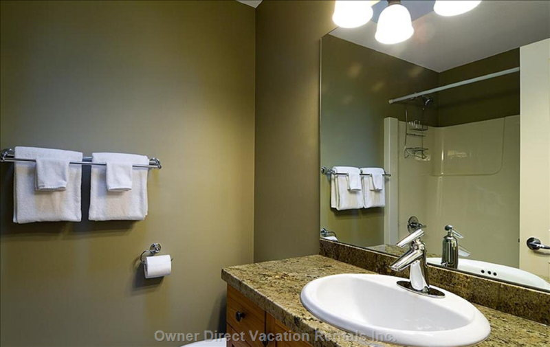 Upper Floor Master Ensuite Bathroom
