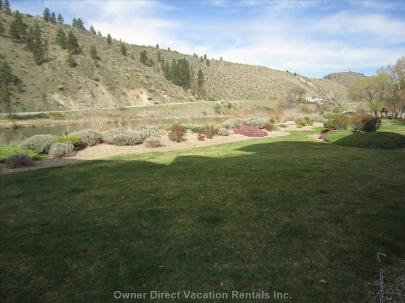 Come Stay in  Beautiful Okanagan Falls