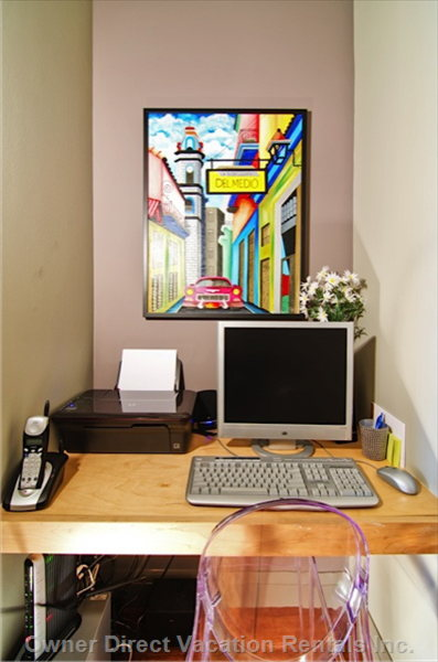 Work Station with Computer, Printer, Free WI-FI and Local Telephone Calls