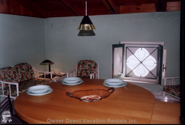 Mansarda-dining-sitting-room