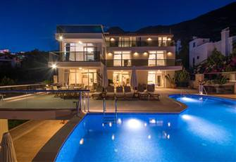 Villa 6 Bedroom and 2 Living Room with 2 Big Swiming Pool in Kalkan
