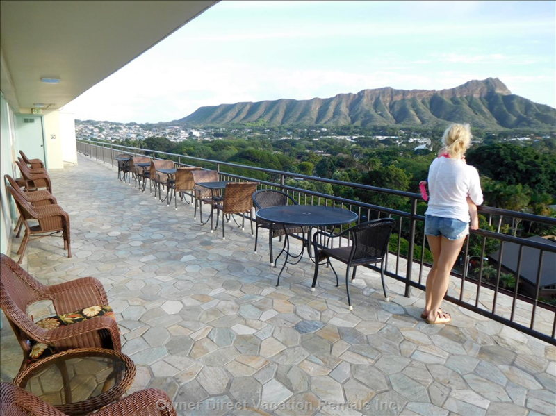 Community Sundeck, Diamond Head View