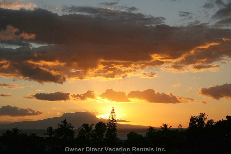 Amazing Sunset from our Lanai...No Charge!