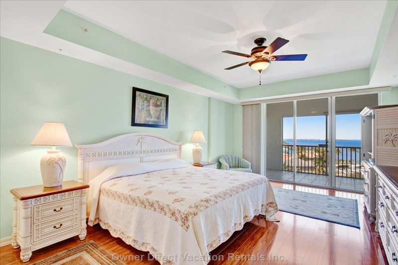Oversize Master Bedroom W/King Size Bed. Roll out of Bed and View the Magnificent River View. Unbelievable!!!
