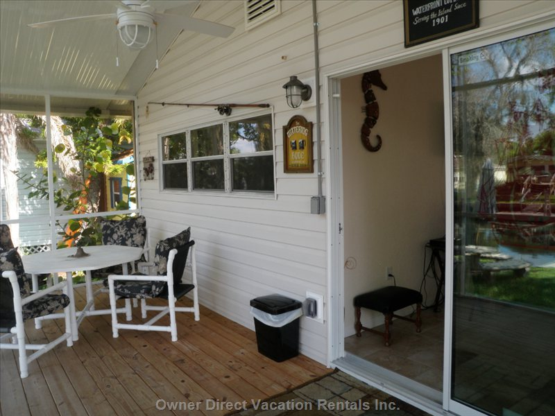 Screened Porch, Table W/4chairs, Additional Chairs on Porch,Ceiling Fan