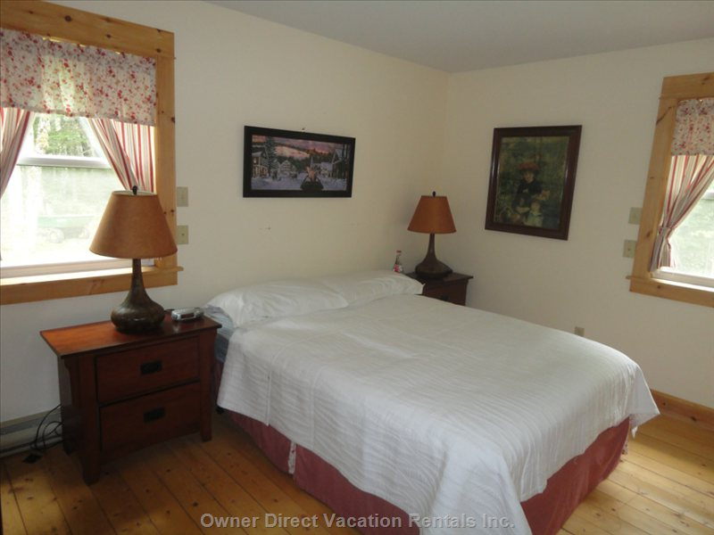 Master Bedroom (Queen Bed)