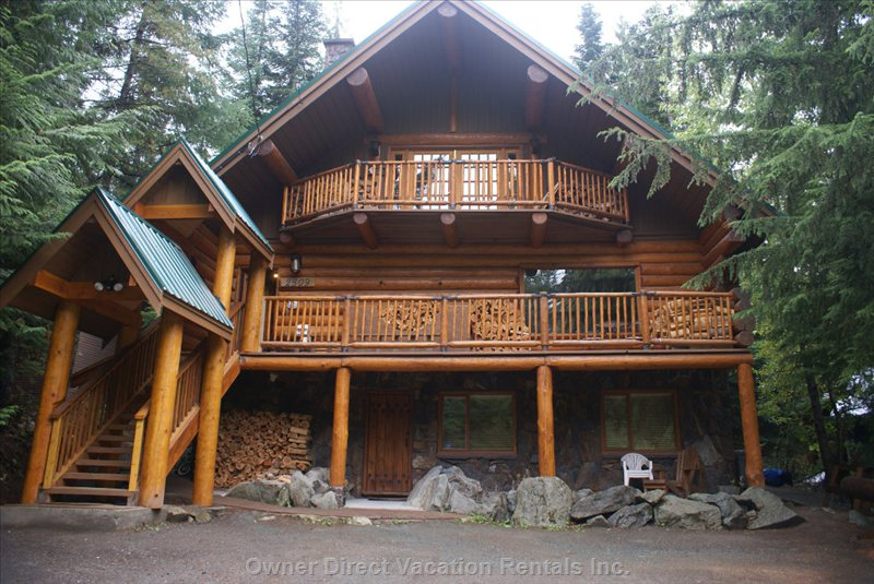 Front View of Chalet - Nestled in the Woods, Quiet, Walk to the Ski Hill.