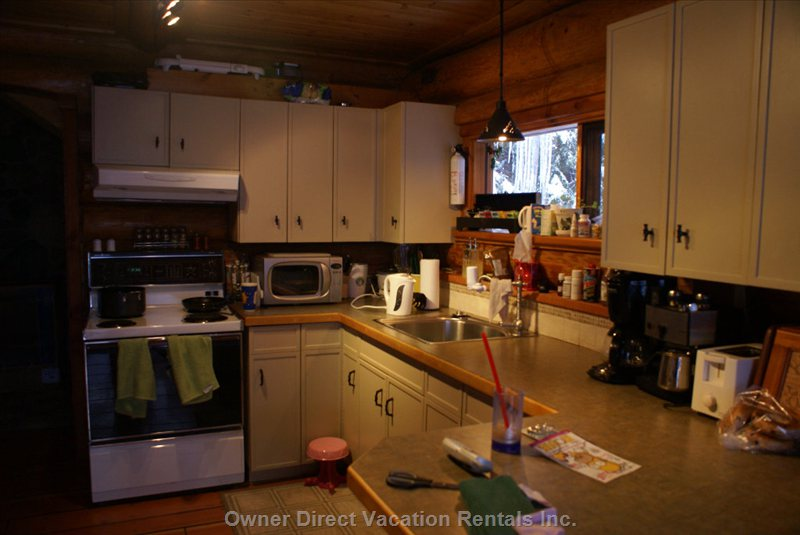 Full Kitchen  - Dry Goods Available, Full Fridge and Dishwasher