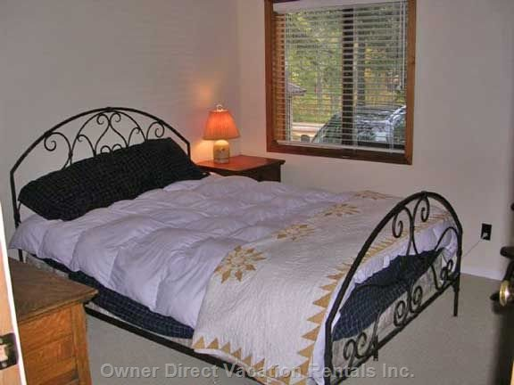 Lower Bedroom - Queen Bed