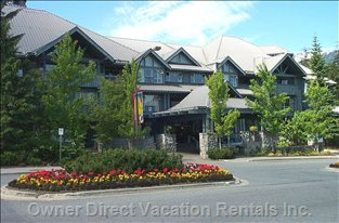 Glacier Lodge Front Entrance