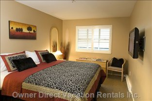 Master Bedroom with one King Or Two Twin Beds