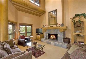 Luxury, Luxury, Luxury on Whistler Mountain Ski in Ski out Home