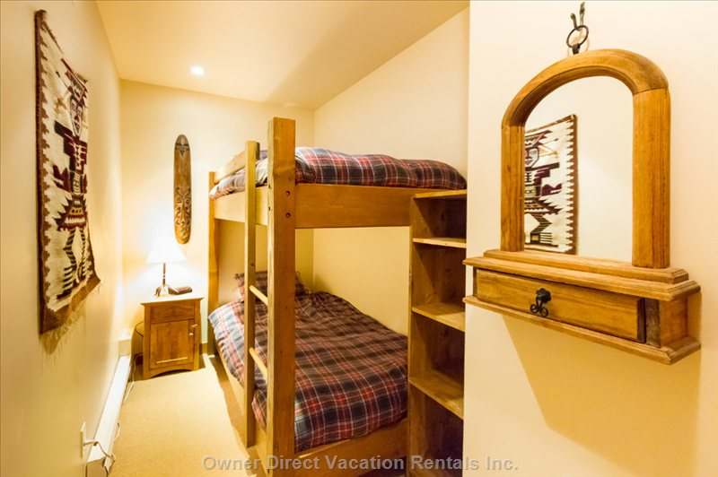 Small but Cosy Bunk Room (Lower Floor)