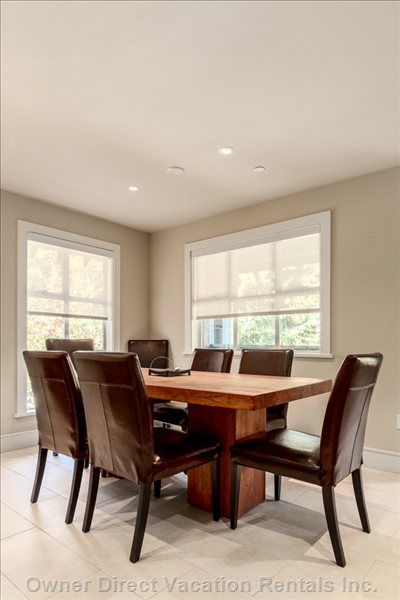 Dining Area to Seat up to 8 Guests
