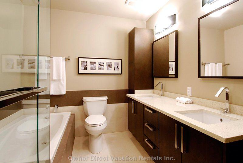 Master Bedroom #1 - Ensuite with Jet Bath Tub and Shower