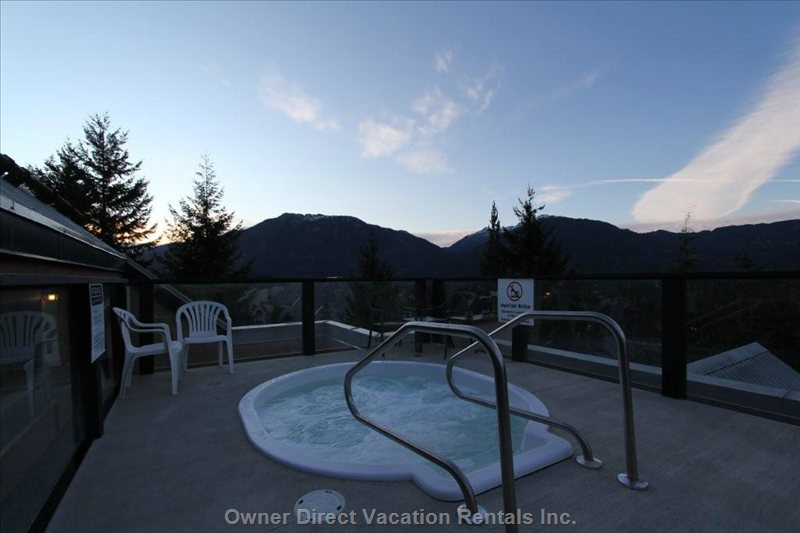 Common Roof-top Hot Tub