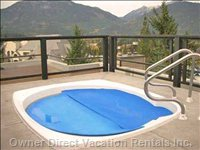 Outdoor Rooftop Common Hot Tub View