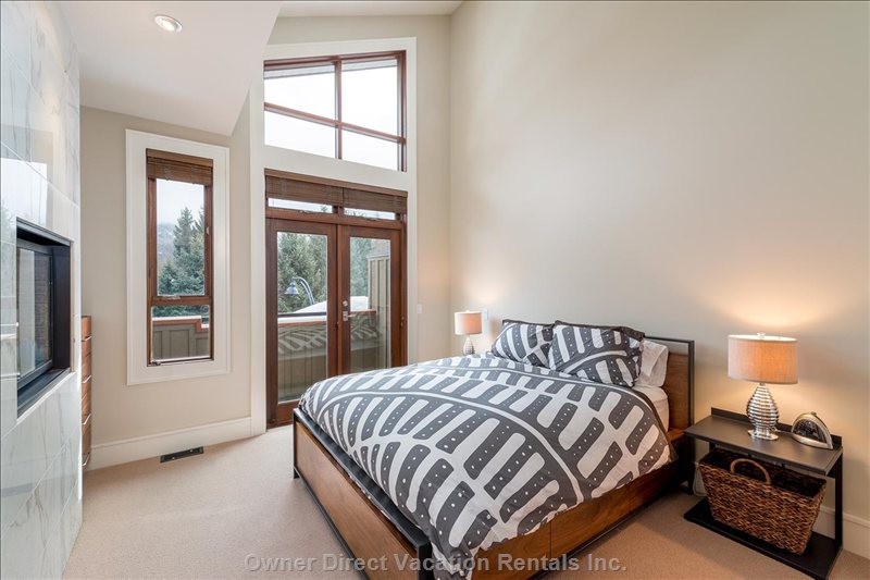 Master Bedroom with Small Balcony, Gas Fireplace and Ensuite Bathroom (Upper Floor) Queen Bed