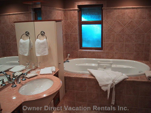 Hemlock Master Ensuite Bathroom with Jacuzzi