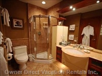 Hemlock Ensuite Bathroom with Shower and Jacuzzi