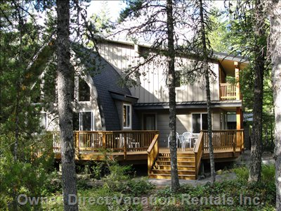 All Season Chalet with South Facing Deck and Private Upper Deck to Enjoy the Outdoors.