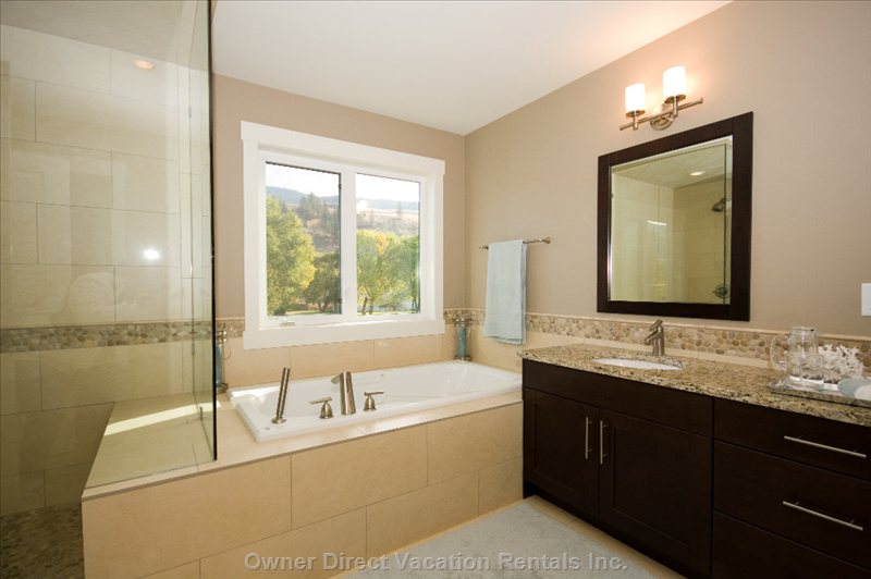 Large Ensuite with Soaker Tub and and Steam Shower