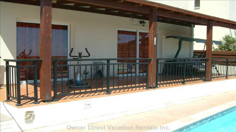 Villa Rear Sunshade Terrace