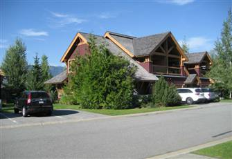 Luxury 3 Bedroom/3 Bathroom Whistler Townhouse with Private Hot Tub