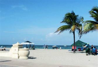 Beachside Beautifully Furnished 1 Bd Condo