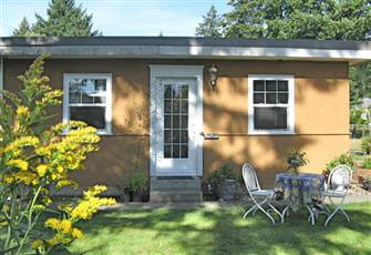 Peaceful-Spacious-Close to Comox Town & Marina