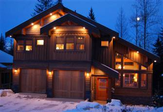 Kicking Horse Spacious Mountain Home
