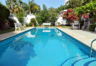 Villa with Heated Pool, 5 Minutes Walk from the Beach in Marbella