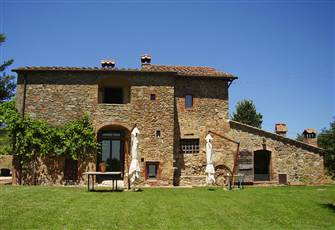 Charming Independent Villa in Tuscany with Pool and 3 Bedrooms