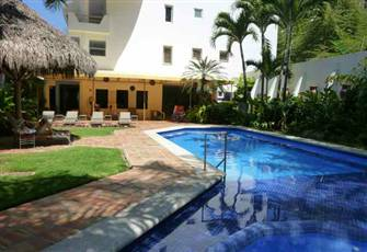 Quiet Hi-Tech Oasis near Los Muertos Beach:  Wifi, Sat-Tv, Pool, no Climbs!