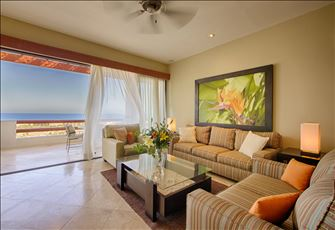 World-Class 3bd/3bth Condo Rental in San Jose with Breathtaking Ocean Views